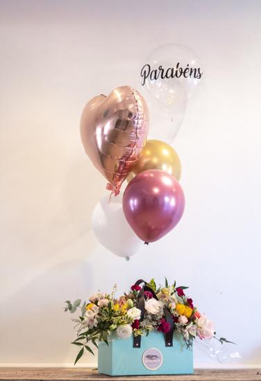 Imagem de Bolsa de Flores e Balões - Alça de couro